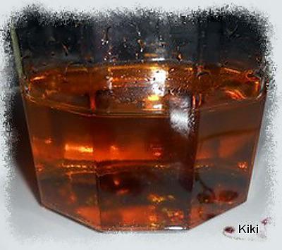 recette de caramel liquide fait maison par kiki8. Black Bedroom Furniture Sets. Home Design Ideas