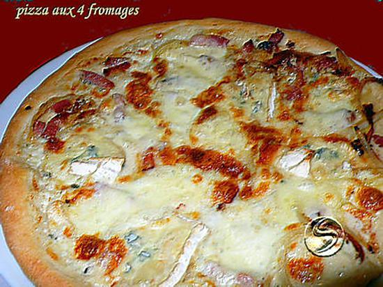 recette de pizza aux 4 fromages par melayers. Black Bedroom Furniture Sets. Home Design Ideas