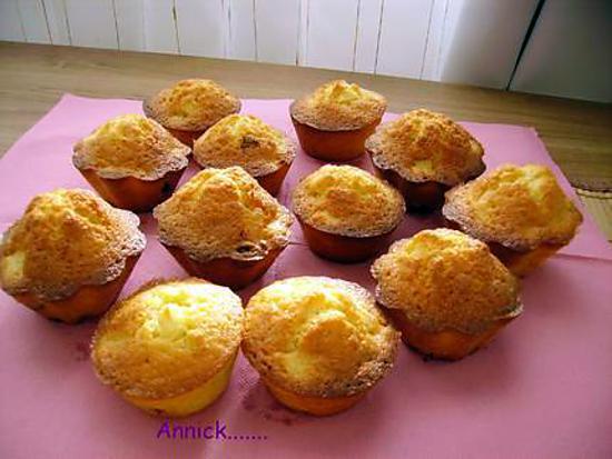 recette de mini cakes aux pommes et raisins secs. Black Bedroom Furniture Sets. Home Design Ideas