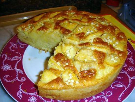 recette de * gateau moelleux pommes/amande parfumé au rhum *