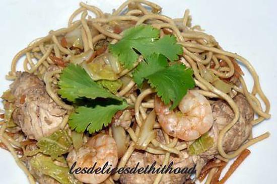 recette de nouilles chinoises au poulet et crevettes. Black Bedroom Furniture Sets. Home Design Ideas