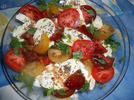 recette Salade de tomates multicolores a la mozarrella