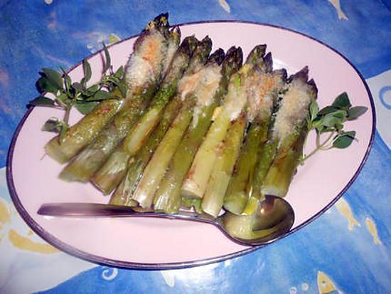 recette Asperges vertes gratinées au parmesan