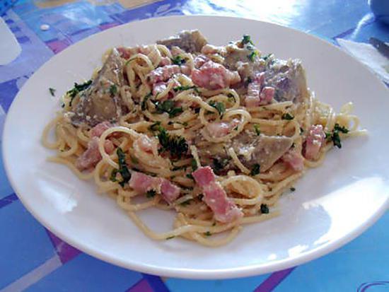 Spaghetti alla carbonara et artichauts 430
