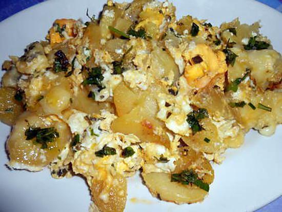 Méli-mélo de pommes de terre aux herbes, mozzarella et oeufs 430