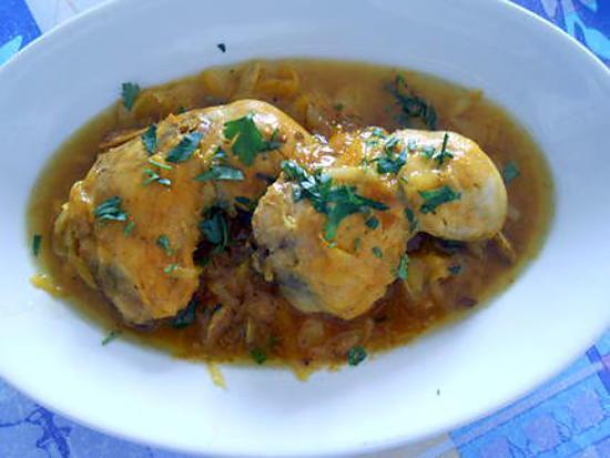 Cuisses de poulet safrannées aux oignons 430