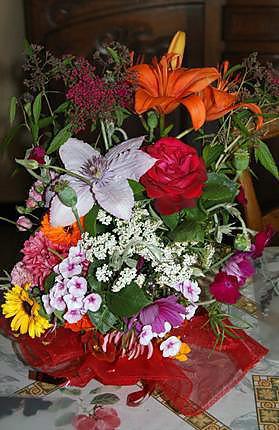recette de fabrication d 39 une composition florale fleurs fra ches pour centre de table ou. Black Bedroom Furniture Sets. Home Design Ideas