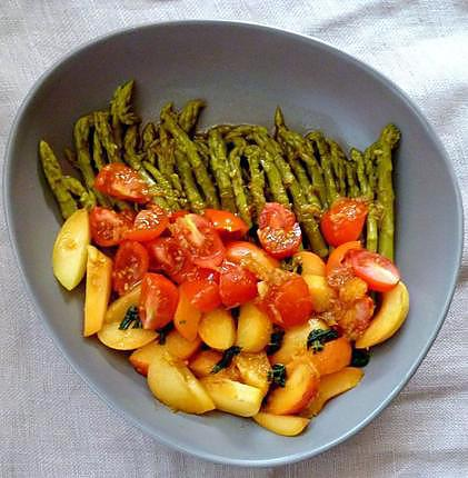 recette de salade d 39 asperges vertes tomates abricots. Black Bedroom Furniture Sets. Home Design Ideas