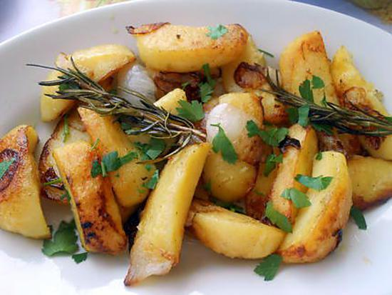 Pommes de terre rissolées oignon romarin 430