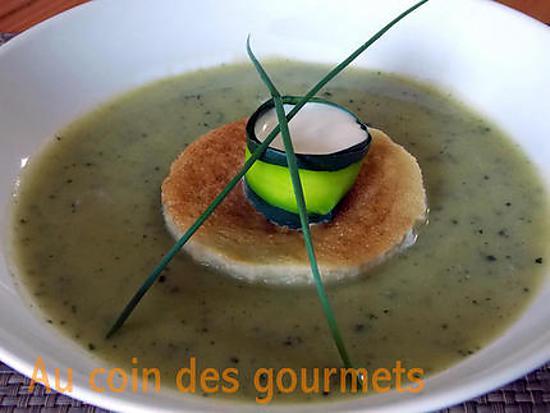 recette Gaspacho de courgettes-crème au chèvre