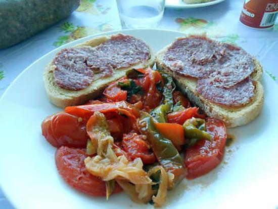 Peperonata e crostini ciausolo (ou saubressade) 430
