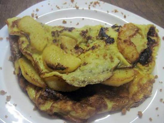 Recette d 39 omelette sucr aux lamelles de pomme - Couper des pommes en lamelles ...