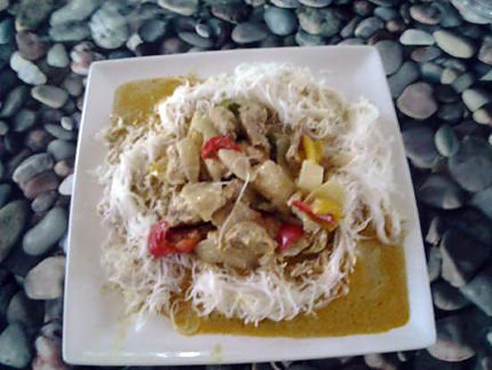 recette poulet au curry et ses poivrons réalisé par mon fils Ugo