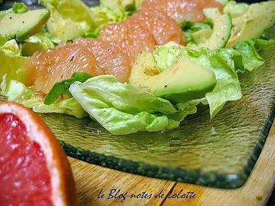 recette Salade pamplemousse rose, avocat, vinaigrette à la crème de cassis