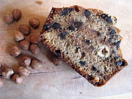 recette de cake rustique la farine de chata gne aux noisettes et aux p pites de chocolat. Black Bedroom Furniture Sets. Home Design Ideas