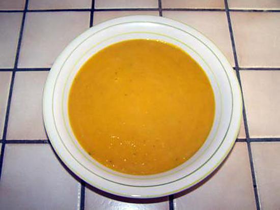 Recette de soupe de l gumes au potiron - Soupe potiron cocotte minute ...