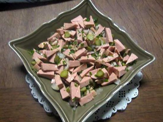 salade cervelas oignon fromage et cornichon