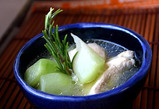 recette Soupe de poulet au gingembre et à la papaye verte