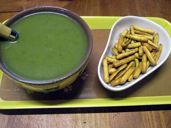 Recette de soupe aux feuilles de blettes et pommes de terre au micro ondes - Feuille pomme de terre ...