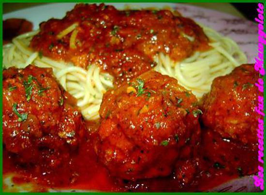 recette Lundi 9 février 2009 Boulettes de boeuf de mon enfance à la sauce tomate.