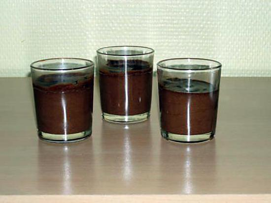 recette de mousse au chocolat rapide et l g re. Black Bedroom Furniture Sets. Home Design Ideas