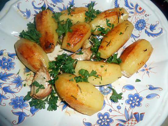 recette de petites pommes de terre au romarin ail et piment. Black Bedroom Furniture Sets. Home Design Ideas