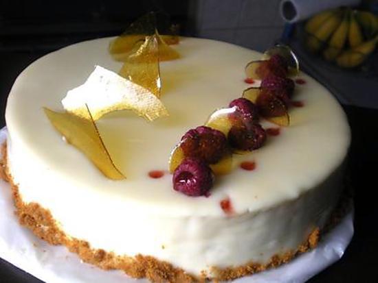 Gateau d'anniversaire framboise chocolat blanc
