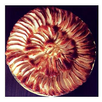 recette Bonsoir les filles je vous présente une Tarte aux pommes qui change un peu de la tarte aux pomme classique je les préparer pour mes s'inviter ils était ravis