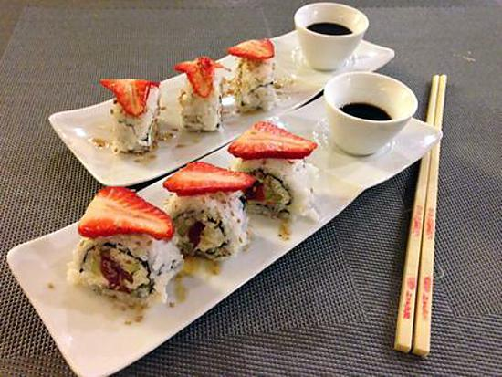recette de sushi maguro ichigo roll sushi rouleau thon fraise. Black Bedroom Furniture Sets. Home Design Ideas