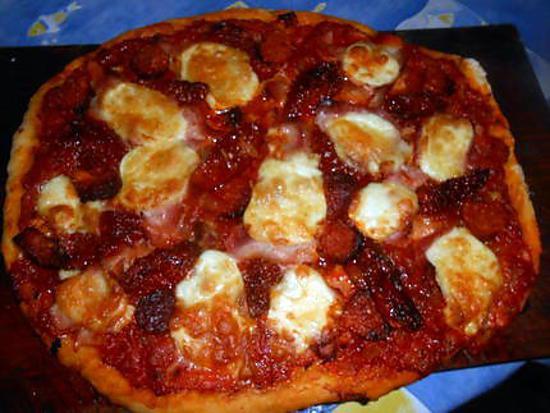 recette de pizza jambon lardons chorizo mozarella. Black Bedroom Furniture Sets. Home Design Ideas