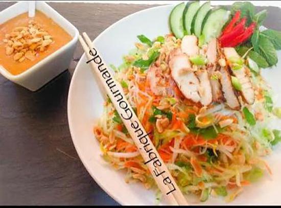 recette Salade de poulet à la vietnamienne et sa sauce au peanut butter