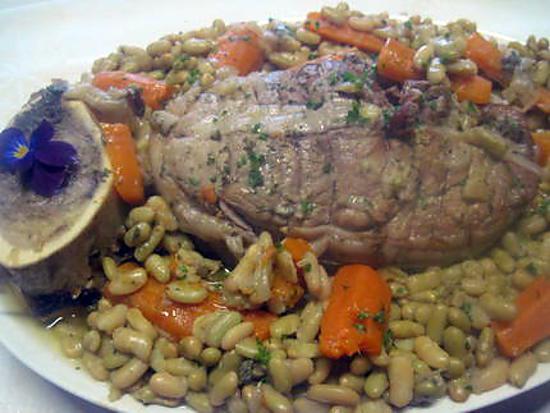 recette Épaule de veau sans os aux flageolets et carottes.