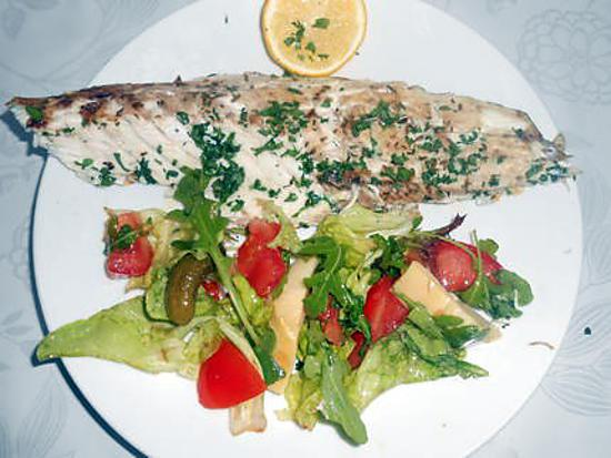 Mulet grillé et petite salade composée 430