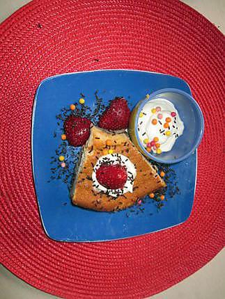 Recette De Dessert Avec Gateau Magique Fraises Rhubarbe Et Chantilly