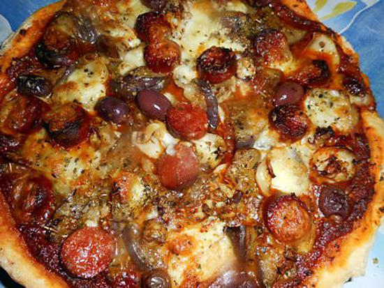 recette de pizza aux seiches aubergine et chorizo. Black Bedroom Furniture Sets. Home Design Ideas