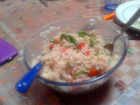 recette salade de riz avec poivrons et fromage de brebis