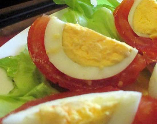 recette de tomate tricolore l 39 oeuf dur. Black Bedroom Furniture Sets. Home Design Ideas