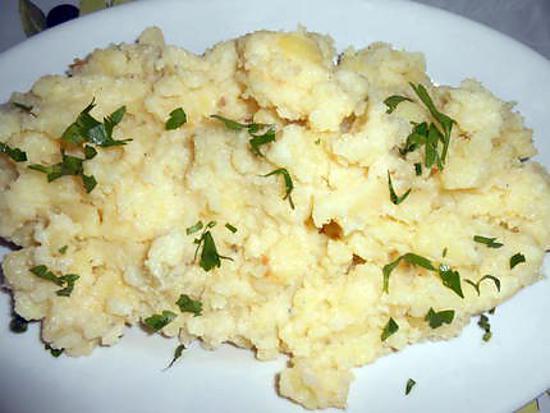 recette d 39 ecrasee de pommes de terre au beurre de saint agur. Black Bedroom Furniture Sets. Home Design Ideas