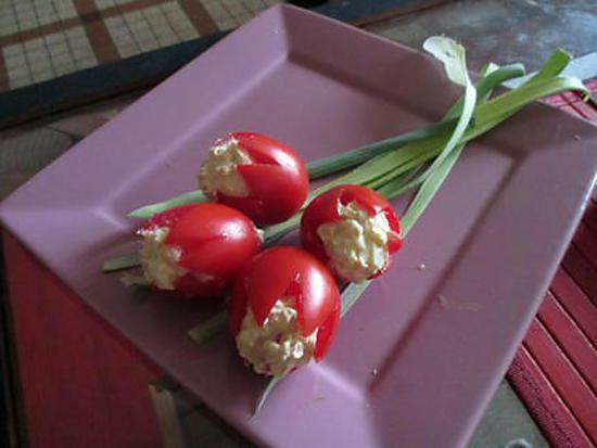 recette Tomates tulipes aux oeufs à la mode Fanfan (un bouquet pour notre chere Fanfan^^)