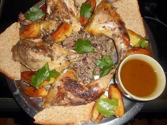 Recette de poule faisane farce aux airelles - Comment cuisiner un faisan en cocotte ...