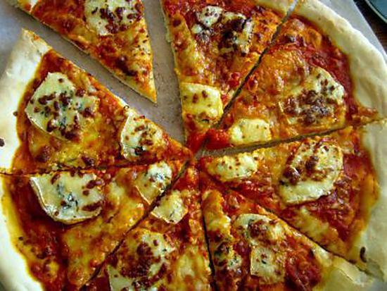 recette Pizza à la Fourme d'Ambert