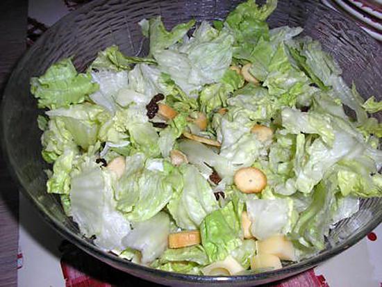 recette de salade verte croutons allumettes de jambon emmental et fruits secs. Black Bedroom Furniture Sets. Home Design Ideas