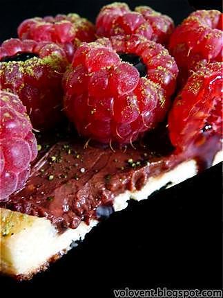 recette Tarte divine au chocolat et garniture de framboises à la crème de balsamique