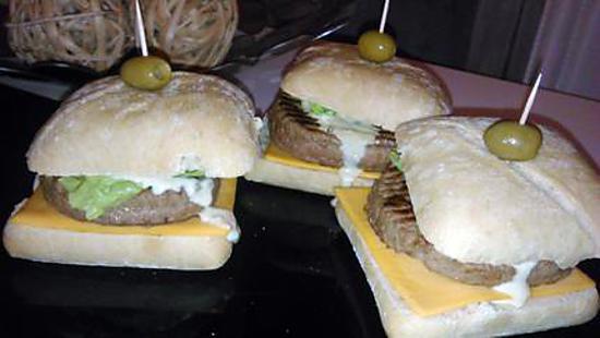 recette Burger brasserie a la sauce roquefort-bleue