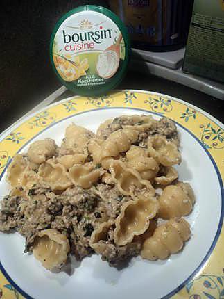 recette de pate au boursin ail et herbe avec epinard et hach 233 e