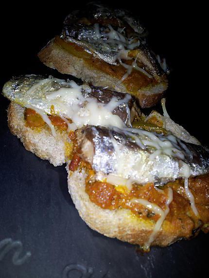 recette Bruschetta  sauce tomate et sardine gratinés au fromage