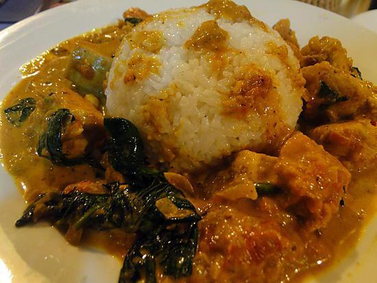 recette Curry de poulet aux tomates et épinards