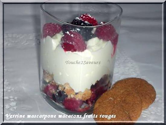 recette Verrine mascarpone fruits rouges macaron