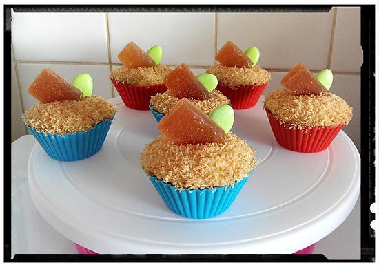 recette cupcake fondant à l'orange à la crème au rhum et  coco grillée et pâte de fruit maison