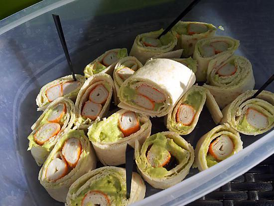 recette de maki de wrap pique nique au surimi et avocat. Black Bedroom Furniture Sets. Home Design Ideas